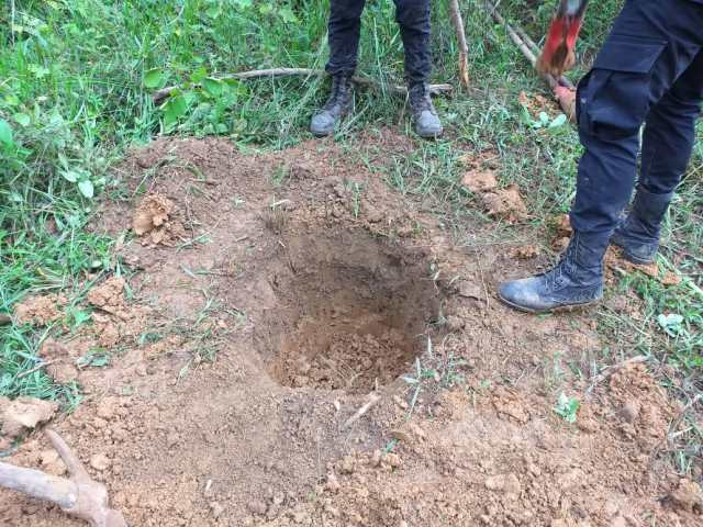 Excavación de agujeros para explosivos