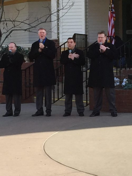 Jeff Chapman with Kingdom Heirs outside at Dollywood
