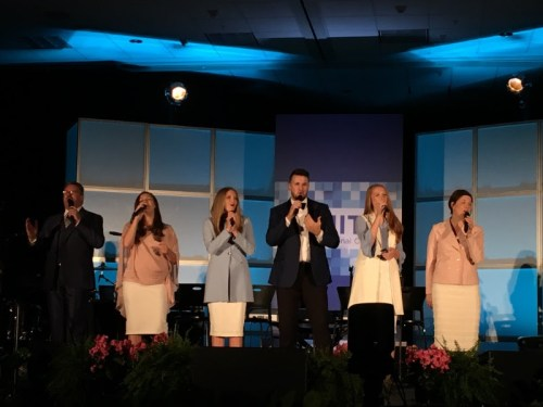 The Collingsworth Family Performs at CBA Convention