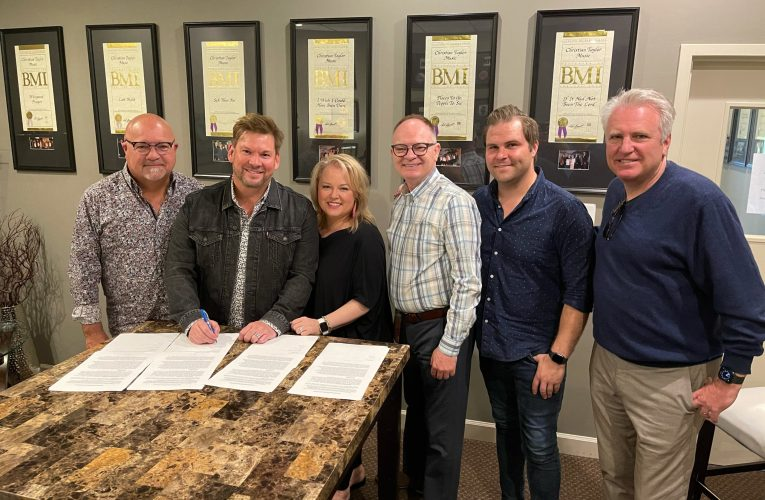 Jim & Melissa Brady Signs Exclusive Recording and Songwriting Agreement with Daywind Music Group