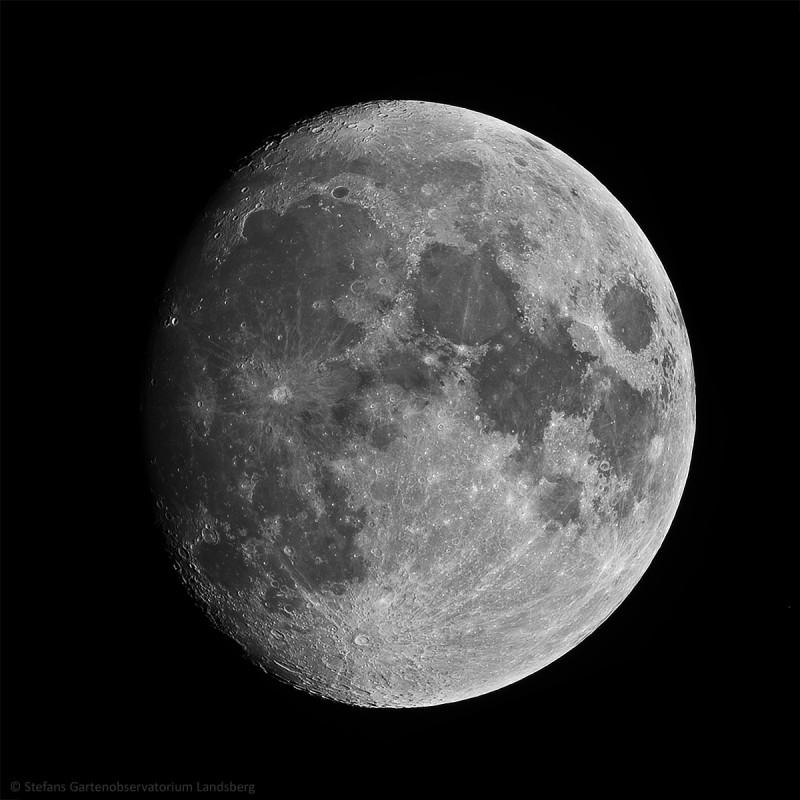 11. Februar 2014 zunehmender Mond bei 85%