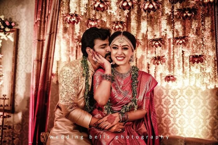 51 Thumping Wedding Photography Poses For Couples To Give A Perfect Touch To Their Wedding Album