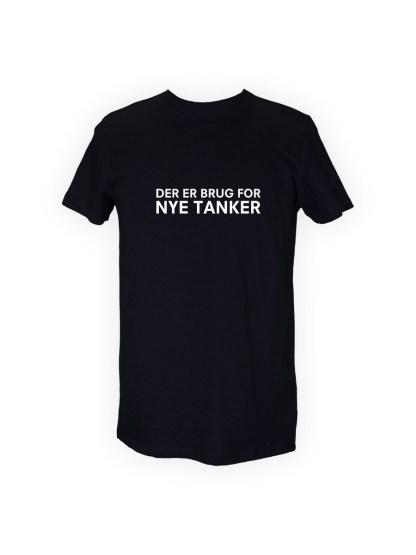 sort herre T-shirt med tryk - DER ER BRUG FOR NYE TANKER
