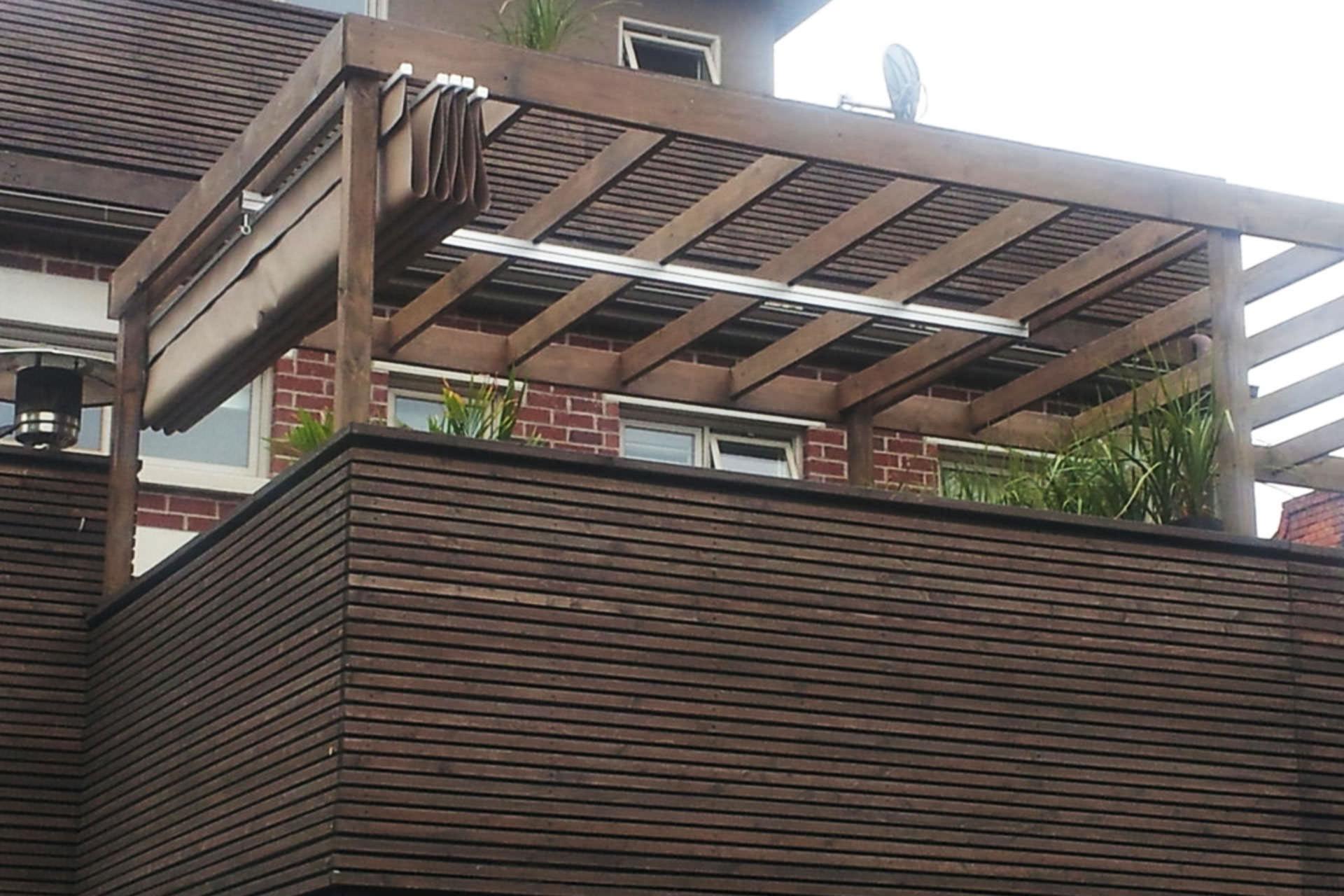 waterproof retractable deck cover in