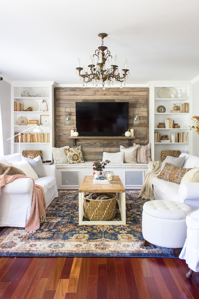 2017 Home Tour + How to Incorporate Vibrant Seasonal ... on Living Room:5J0Grrq-Soy= Curtains Design  id=99408