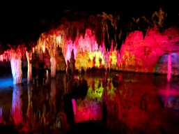 Meramec Caverns designers like to use colored lighting and use the plentiful water to effect.