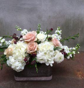 floral_arrangement_roses_hydrangeas_astrantia_stock_ranunculus