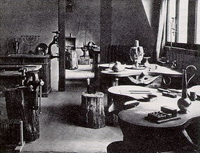 Bauhaus_Metal_Workshop_Weimar_1923