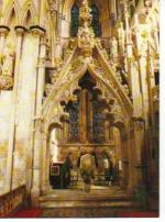 Beverley_tomb_of_Lady_Idonea_Percy_c1340