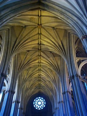 Bristol_cathedral_nave_vault