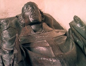 Canterbury_cathedral_Archbishop_Peckham_tomb_1292