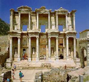 Ephesos_Library_of_Celsus