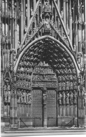 Strasbourg_Cathedral_door_Madonna_Solomon