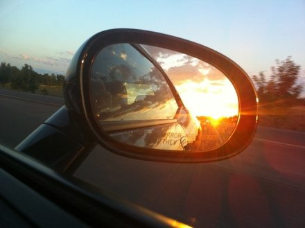 rear-view-mirror-363951_640
