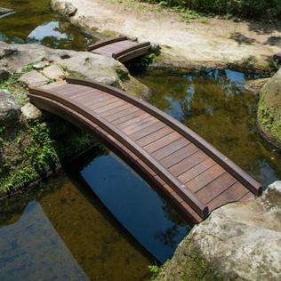瑞泉寺池の橋