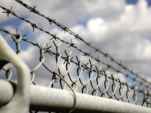 Грабителям-иностранцам грозит 10 лет за разбойное нападение на продавцов