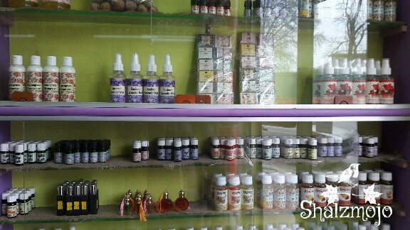 oils-Saqlain's- Coterie-#kashmirtraveldiaries-kashmir-travel-polovire-market-shopping-oils-potions-aroma