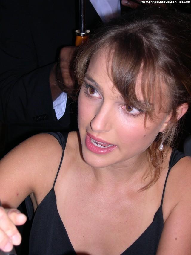Natalie Portman Garden State Celebrity Babe Uk Posing Hot Beautiful