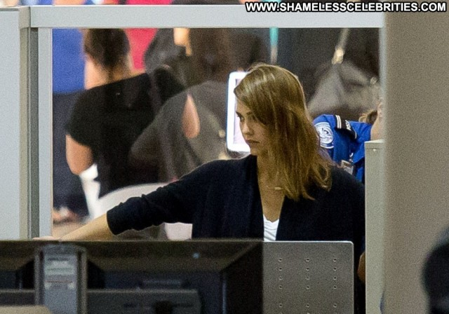 Jessica Alba Lax Airport High Resolution Beautiful Celebrity Lax