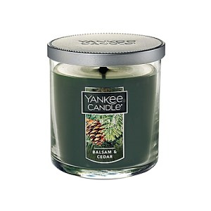 Pine scented yankee candle