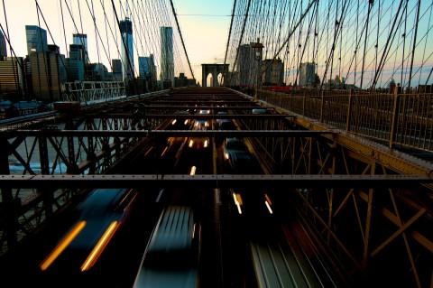 Trafic on Brooklyn bridge / New York City