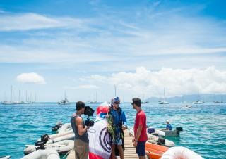 SEARCH Islands Tahiti (c) John Stapels