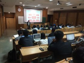Speaking at IIT Delhi SEO and Social Media Workshop (4)