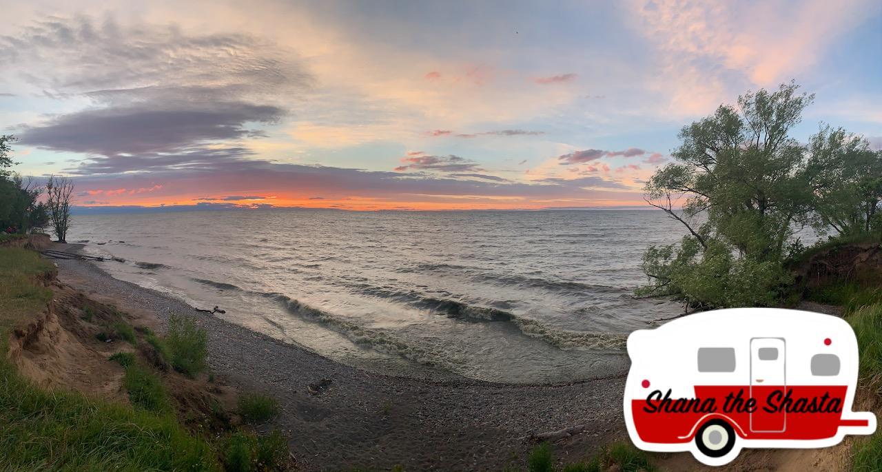 Shore-Sunset-Lake-Ontario