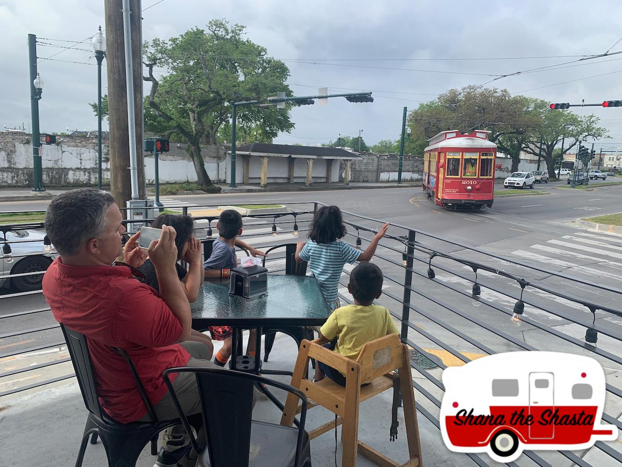 Trolley-at-Morning-Call-in-New-Orleans