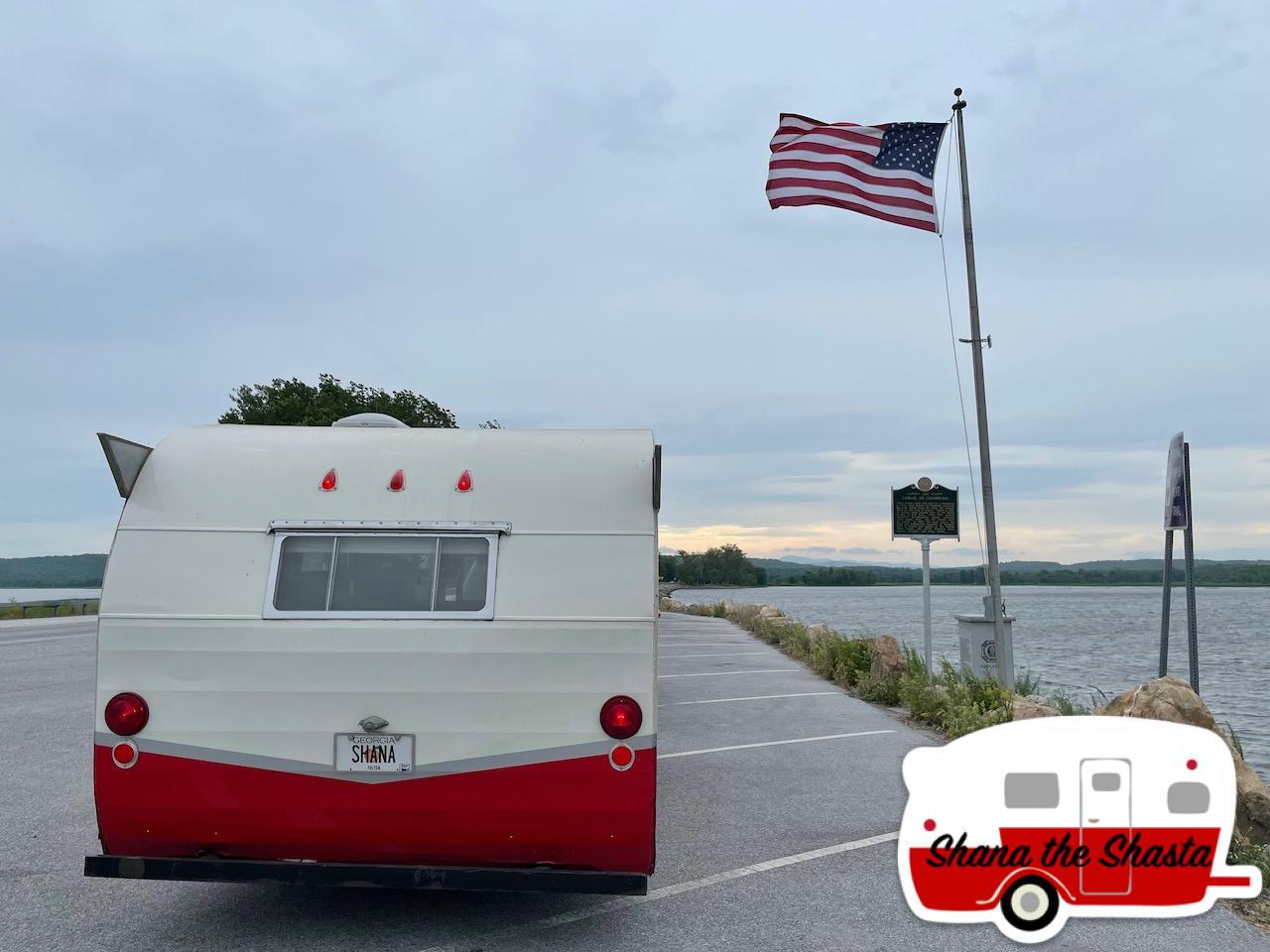 Vintage-Camper-Grand-Isle-Causeway