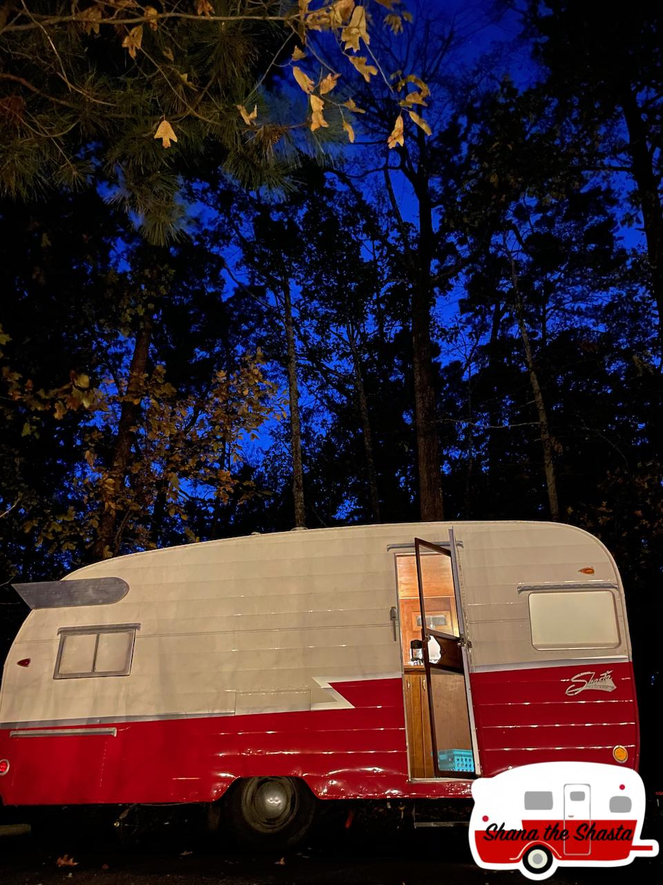 Vintage-Camper-at-Night