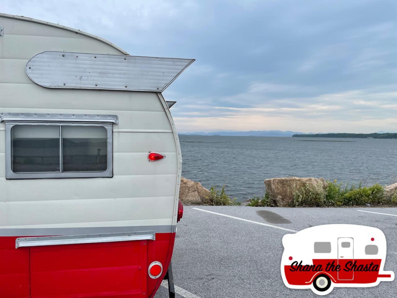 Vintage-Camper-on-Lake-Champlain