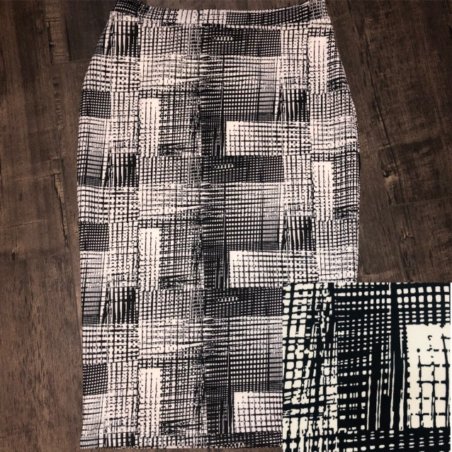 Black white block pencil skirt