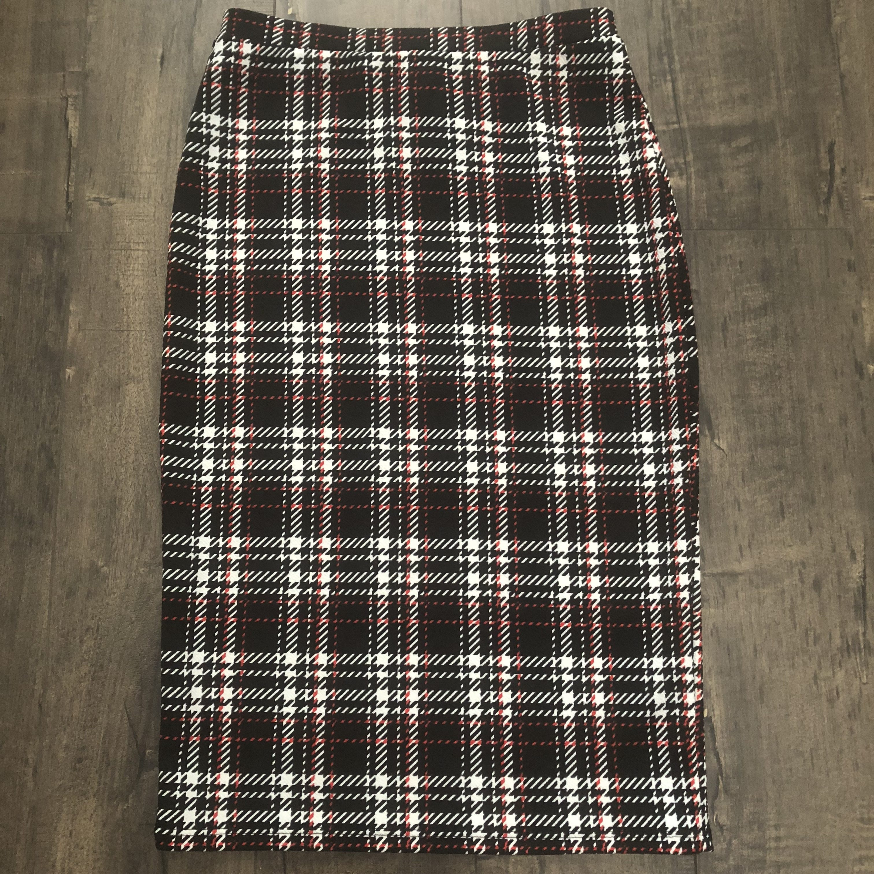 a224cc575c Red And Green Plaid Pencil Skirt – DACC