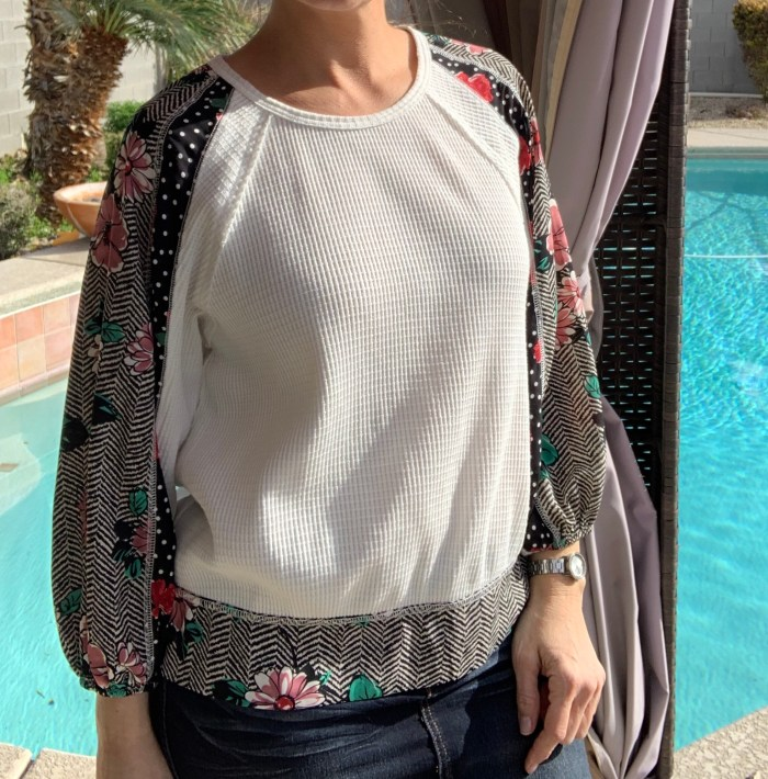 White floral bubble sleeve top