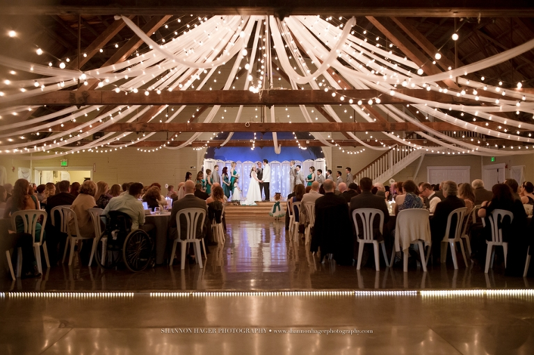 Shannon Amp Michaels Winter Wedding At Green Villa Barn Independence Oregon