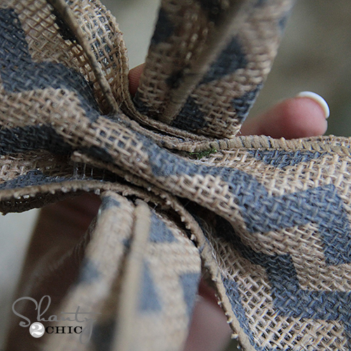 How to make an easy burlap bow