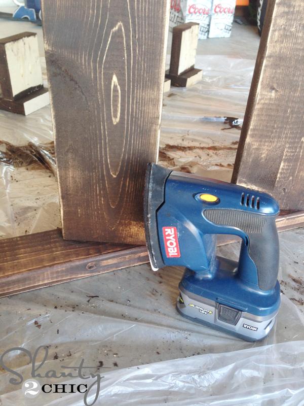 diy blanket ladder - How-to-Distress-Wood
