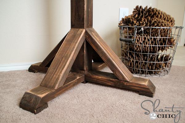 DIY-Furniture-Coat-Rack