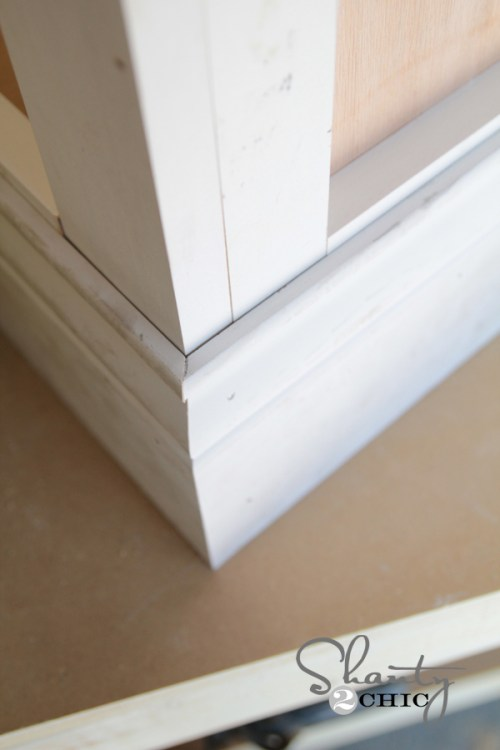 how to miter base moulding