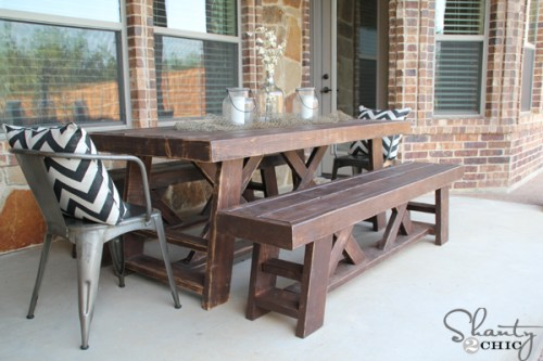 How-to-Build-an-Outdoor-Dining-Table