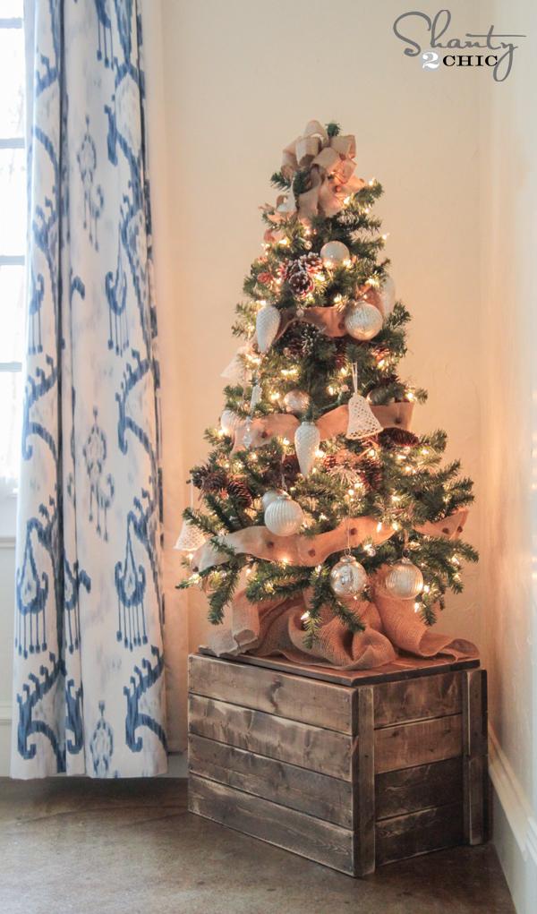 DIY Christmas Tree Crate
