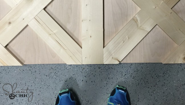 Creating a patterned wood table top