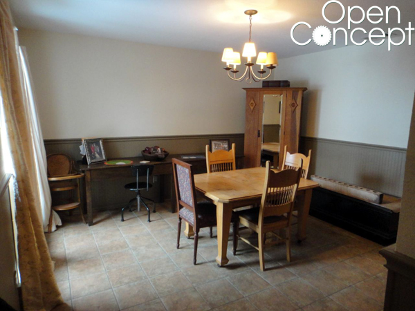 Open-Concept-Before-Kitchen-Nook