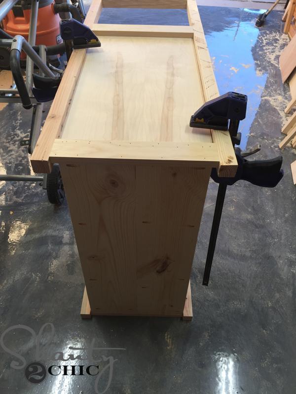 attach-ladder-to-cabinet