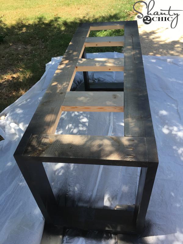 spray-paint-table-base