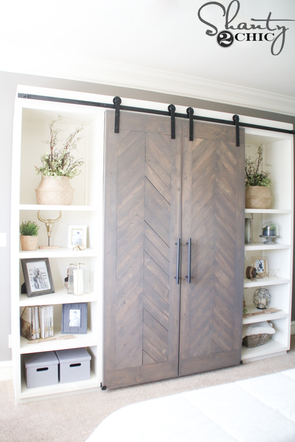 diy-sliding-barn-door-media-cabinet