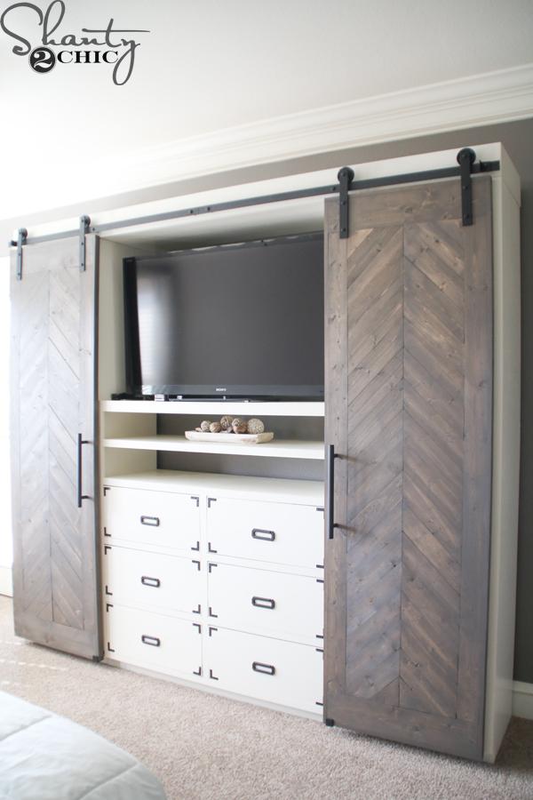 diy-sliding-barn-door-media-console
