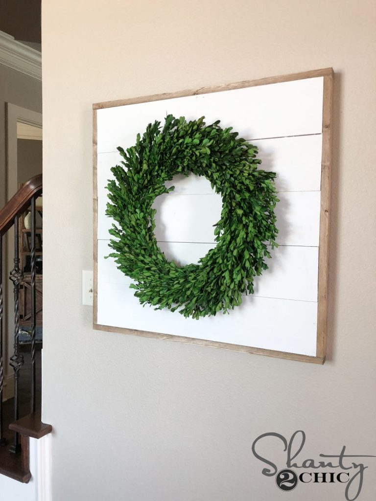 DIY Shiplap Wreath Frame