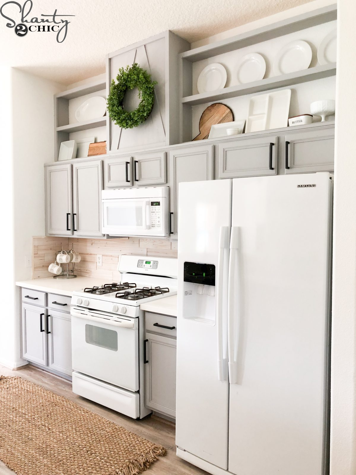How To Easily Paint Kitchen Cabinet